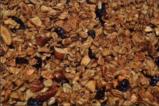 Granola.berries.closeup